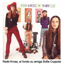 Redd Kross, al fondo su amiga Sofia Coppola.jpg